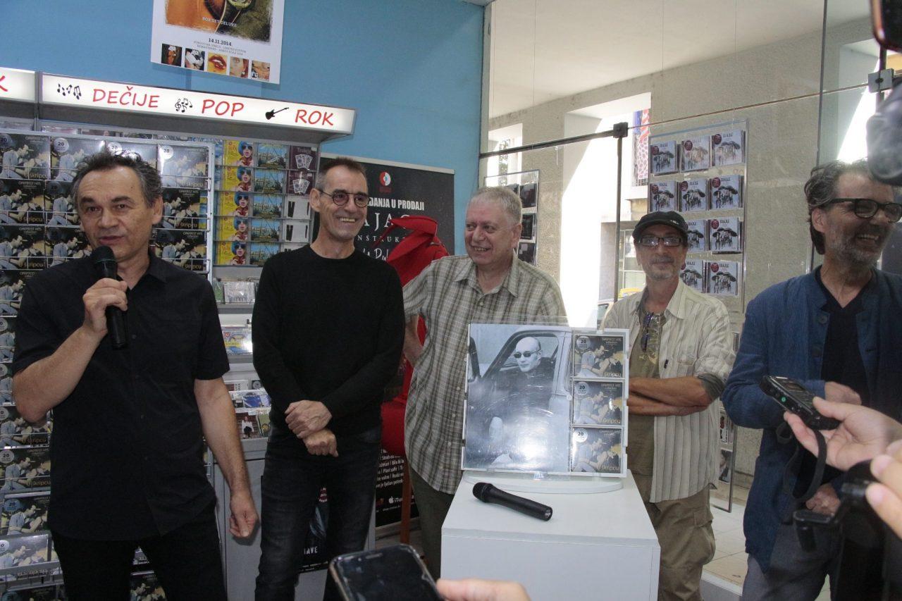 Članovi U škripcu danas promovisali CD-a Greatest Hits Collection